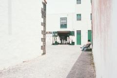 324a-KodakPortra400-2